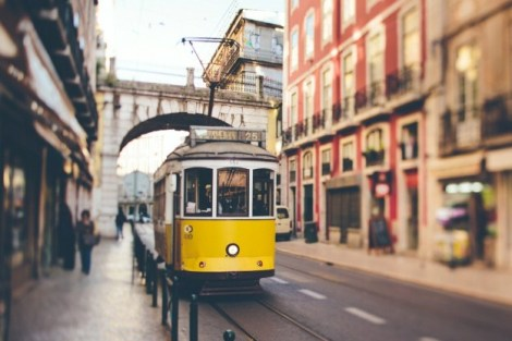 yellow-tram