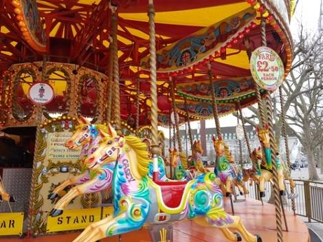 Carousel_